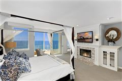 Luxury homes in SOLANA BEACH OCEANFRONT LIVING