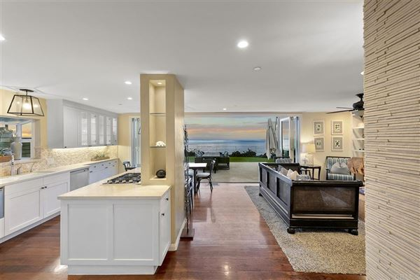 SOLANA BEACH OCEANFRONT LIVING luxury properties