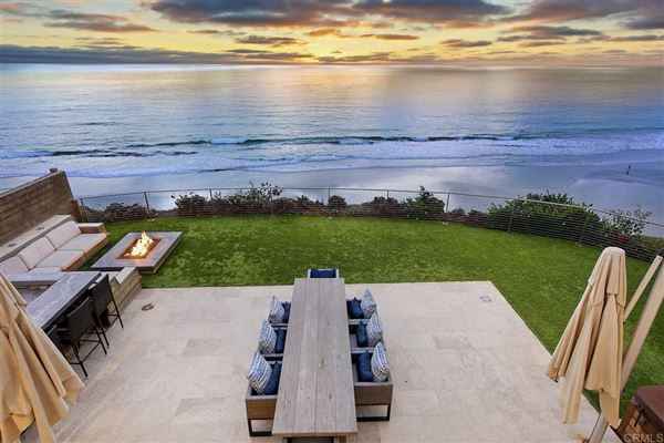 SOLANA BEACH OCEANFRONT LIVING mansions