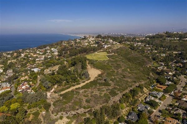 Luxury homes the largest buildable residential site in picturesque La Jolla