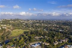 the largest buildable residential site in picturesque La Jolla luxury homes