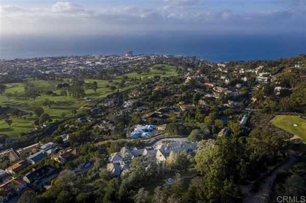 Mansions the largest buildable residential site in picturesque La Jolla