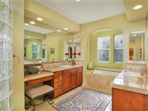 Mansions sparkling home in carlsbad