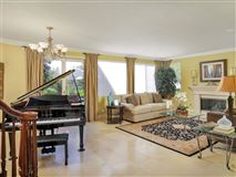 Luxury homes in sparkling home in carlsbad
