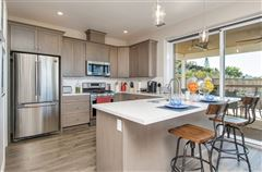 Luxury real estate lovely OceanViewhome on a quiet cul-de-sac location
