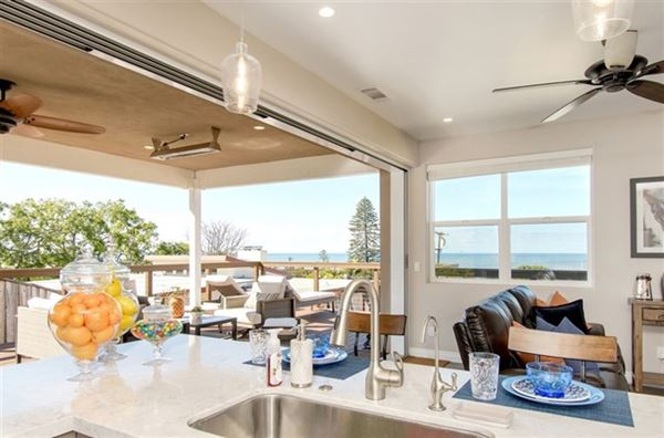 lovely OceanViewhome on a quiet cul-de-sac location luxury real estate