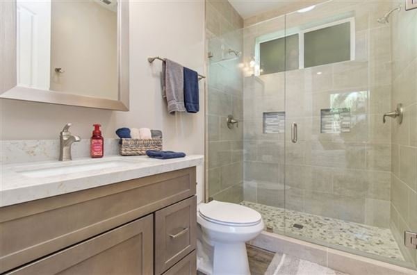 lovely OceanViewhome on a quiet cul-de-sac location luxury properties