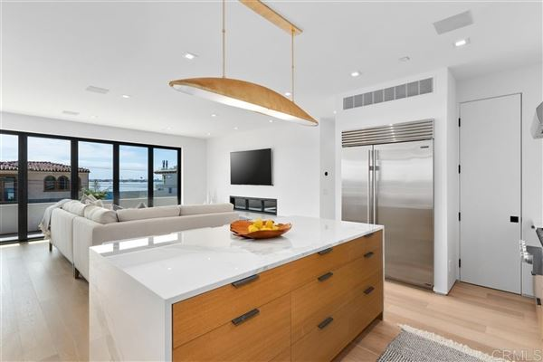 Meticulously designed contemporary duplex in Crown Point luxury properties