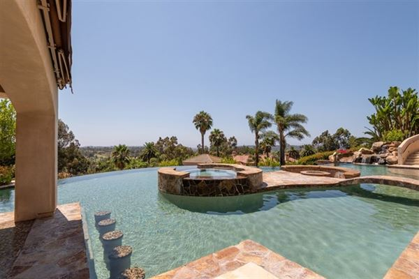 breathtaking ocean mountain and golf course views luxury real estate