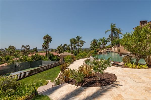 breathtaking ocean mountain and golf course views luxury properties