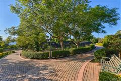 Luxury properties renowned residence on 32 prime acres