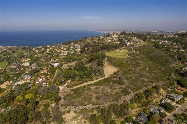 Mansions renowned residence on 32 prime acres