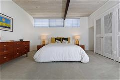 ARCHITECTURE AT THE BEACH luxury real estate