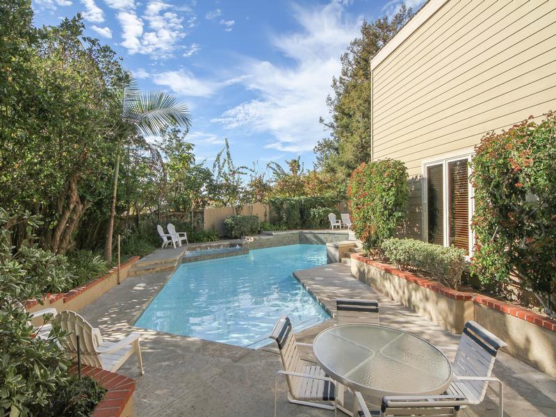 Serenity in La Jolla luxury homes