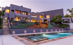 Dramatic Contemporary home mansions