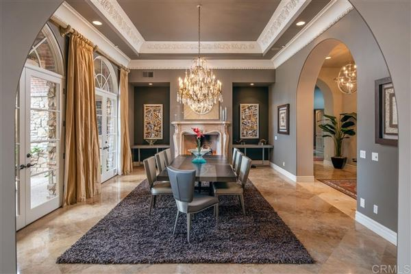 Luxury homes breathtaking estate in The Bridges