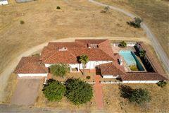 Mansions Southfork - a cornerstone landmark property