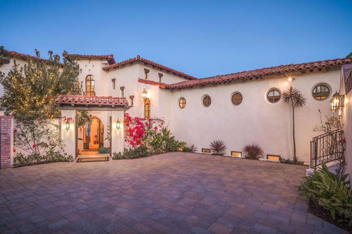 701 1st Street luxury homes