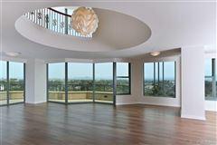 Penthouse 5 at Park Laurel luxury properties