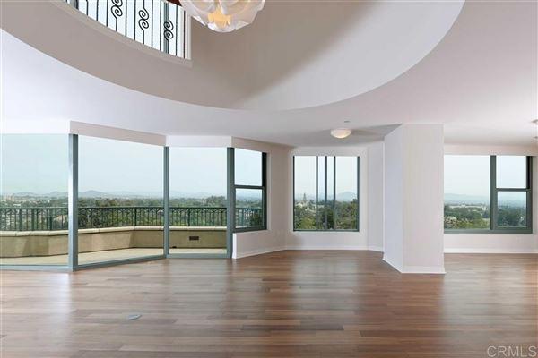 Luxury real estate Penthouse 5 at Park Laurel