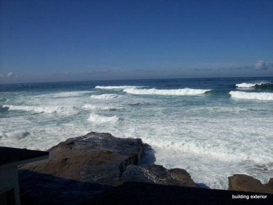 Luxury real estate a Spectacular ocean front condo