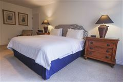 Luxury properties a Spectacular ocean front condo