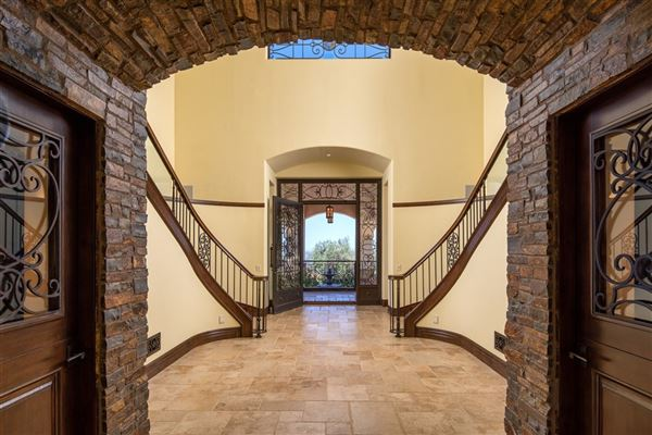significant luxury estate in Fairbanks Ranch luxury homes