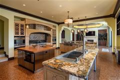 Luxury homes significant luxury estate in Fairbanks Ranch