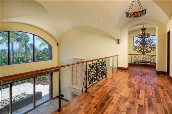 significant luxury estate in Fairbanks Ranch luxury properties