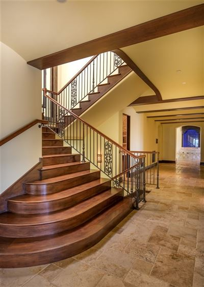 Luxury homes in significant luxury estate in Fairbanks Ranch