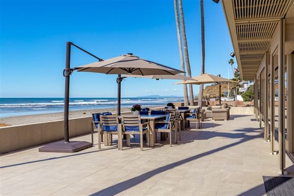 Mansions in oceanfront compound that represents the best of San Diego