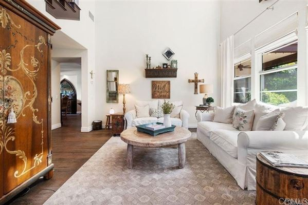Mansions in Beautiful Santa Barbara style home