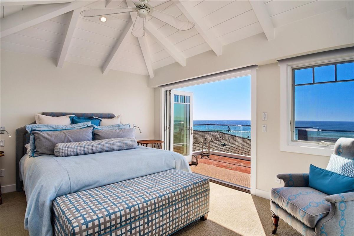 Mansions in amazing oceanfront property in la jolla
