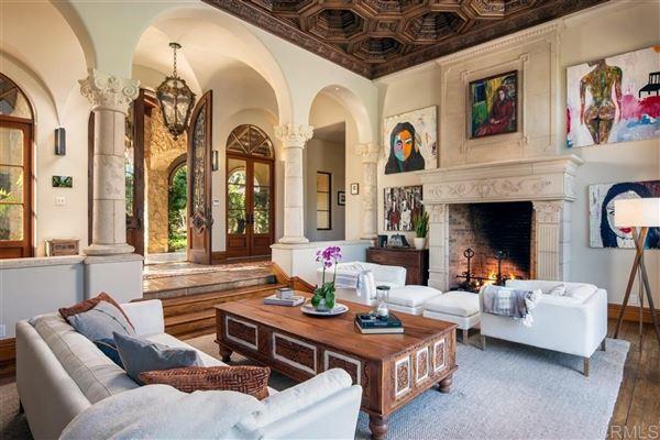 private oasis in prime Rancho Santa Fe Covenant location luxury homes