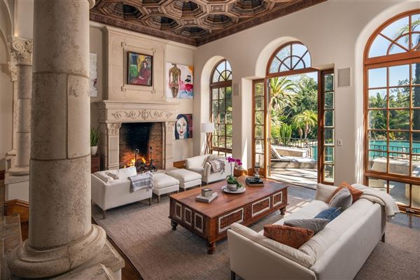 Luxury real estate private oasis in prime Rancho Santa Fe Covenant location