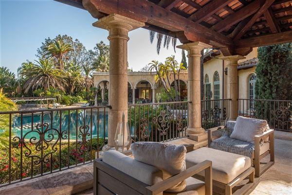 private oasis in prime Rancho Santa Fe Covenant location luxury real estate