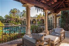Luxury homes private oasis in prime Rancho Santa Fe Covenant location