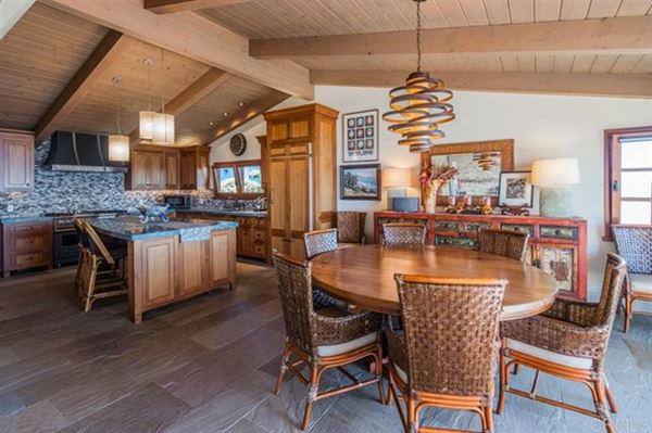 Luxury homes in OCEANFRONT LIVING AT ITS BEST