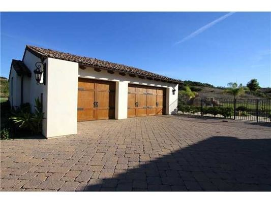 Mansions in magnificent custom hacienda