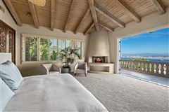 Luxury homes in Exceedingly Private Estate with views