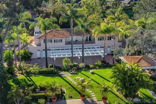 Exceedingly Private Estate with views luxury real estate
