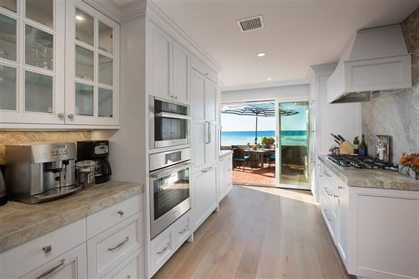 oceanfront rental home directly on the sand luxury homes