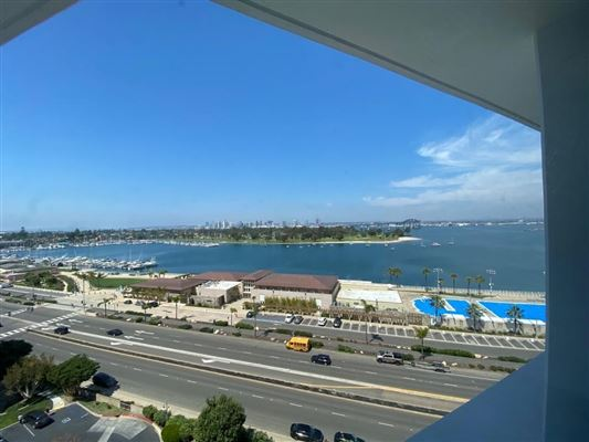 Luxury homes in 10th floor unit for rent in El Mirador