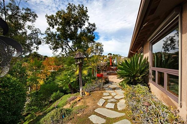 Luxury homes Picture perfect single level home with incredible outdoor entertaining area