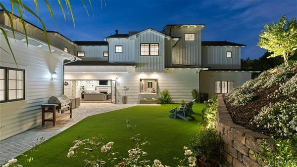 sophisticated take on the classic modern farmhouse luxury properties