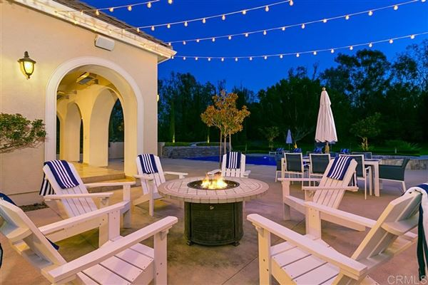 Mansions in showcase French Chateau in Fairbanks Ranch