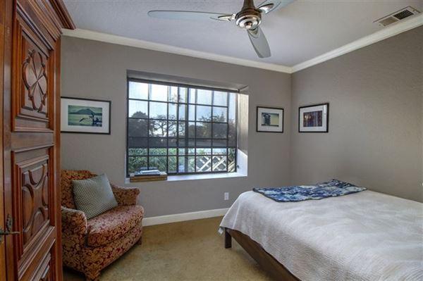 Luxury homes Prime location