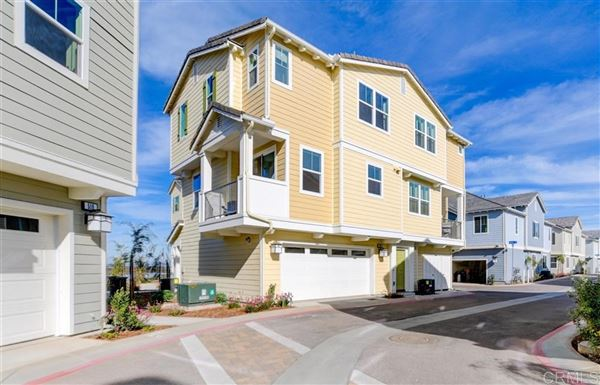 tri-level townhome for rent in bayside landing luxury properties