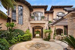 Exquisite Muirlands trophy estate luxury properties