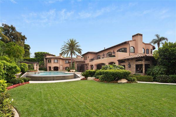 Luxury properties Exquisite Muirlands trophy estate